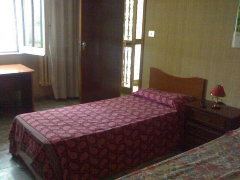 Posti letto in 1 camera singola o doppia ad uso singola ed in 1 camera doppia per studenti o - Posti letto potenza ...