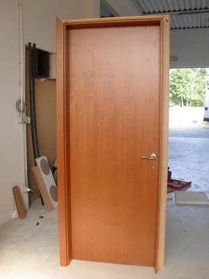 Porte in legno per interni for Porte per interni ikea