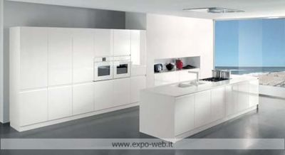 Arredo3 Cucine - Cucina Wega in laccato lucido da: Arredamenti Expo ...