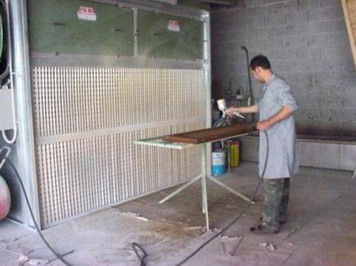 Cerco lavoro come verniciatore a spruzzo e falegname for Subito cerco lavoro