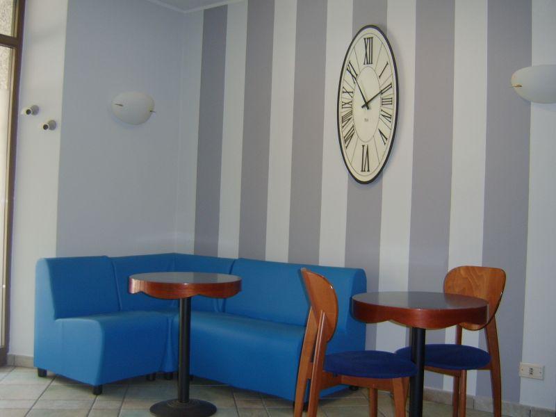 Poltrone e divani in similpelle ignifuga for Arredamenti d autore crotone