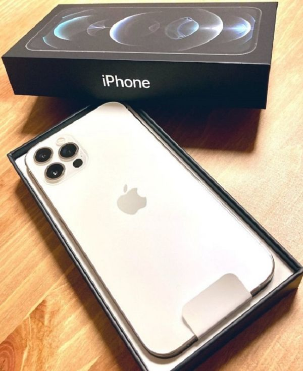 Apple iPhone 12 Pro 128GB per 600EUR, iPhone 12 64GB per 480EUR, iPhone 12 Pro Max 128GB per 650EUR