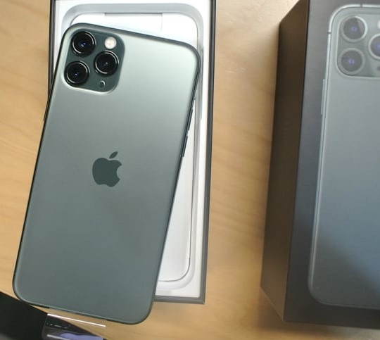 Apple iPhone 11 Pro 64GB = €500,iPhone 11 Pro Max 64GB €530 ,iPhone XS 64GB €350,iPhone XS Max 64GB