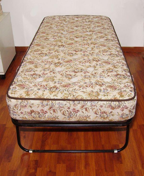 Rete letto pieghevole con materasso a molle - Rete letto singolo pieghevole ...