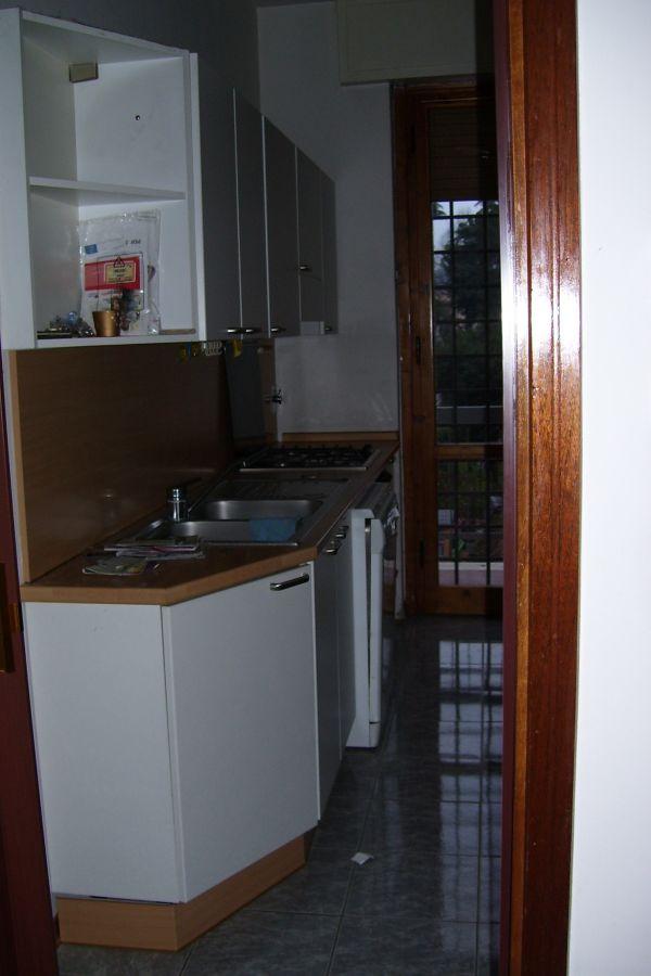 Cucina componibile laminato bianco for Mobili 2000 avellino