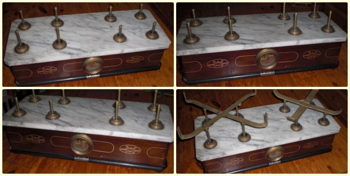 Antica bilancia in legno a due piatti base in marmo for 2 box auto indipendenti