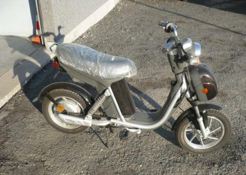 scooter elettrico bici elettrica come nuova
