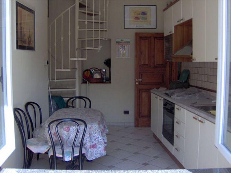 Ischia 2 appartamenti per vacanze estive for Appartamenti ischia