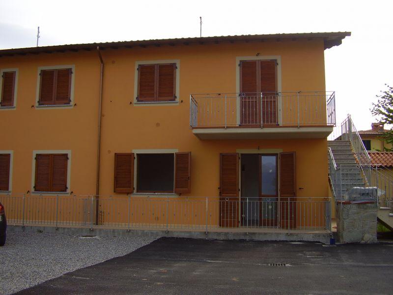 Privato affitta appartamento barga nuova for Privato affitta