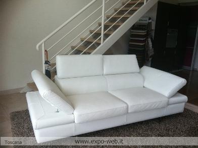 Toscana svendita divano salvetti in pelle for Svendita mobili toscana