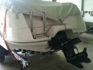 Barca semicabinata 150 cv con carrello 2 assi - Tavola da surf con motore ...