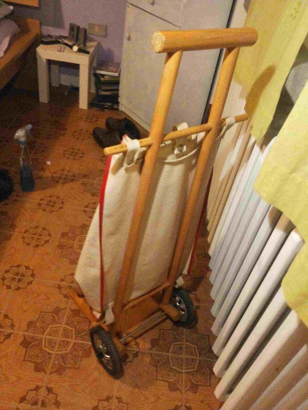 Carrello anni 70 porta spesa e borse for Carrello porta ombrellone e sdraio